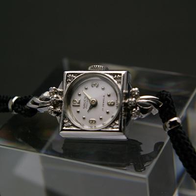 グリュエン レディースアンティークウオッチ ダイヤ装飾 ホワイトゴールドスクエアケース 03