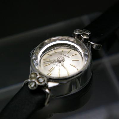 キャミー レディースアンティークウオッチ シルバーダイアル 銀色で華奢なケース 宝飾腕時計 箱付き 02