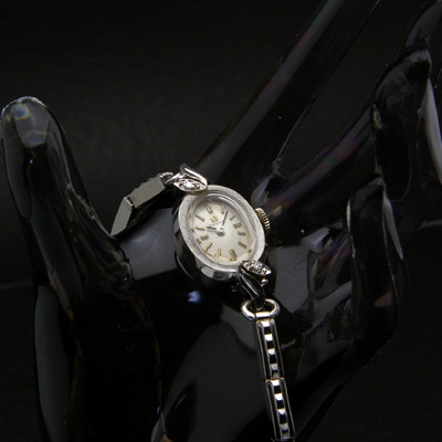 オメガ ダイヤ装飾 14KWG オーバルケース アンティーク 手巻き レディースウオッチ 02