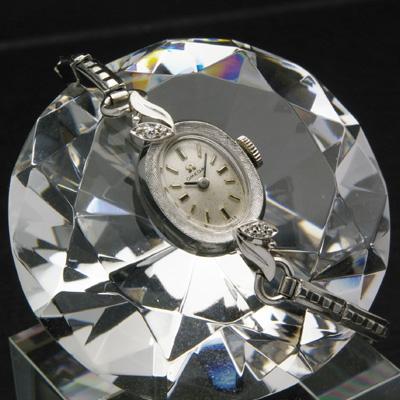 オメガ ダイヤ装飾 14KWG オーバルケース アンティーク 手巻き レディースウオッチ 03