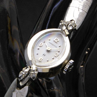ハミルトン アーモンドシェイプホワイトゴールドケース ダイヤ装飾 レディースアンティークウオッチ