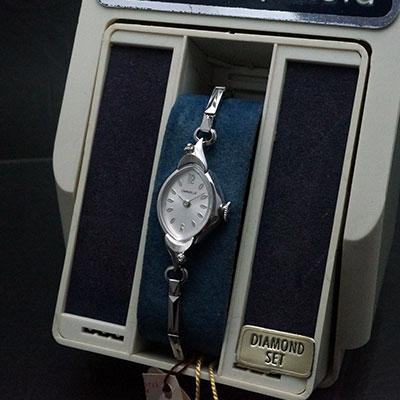 キャラベル 手巻き シルバーダイアル レディース アンティークウオッチ デッドストック 02